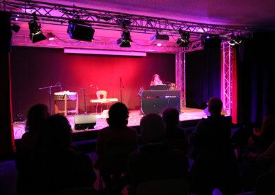 Monika Cyrani | Sängerin, Komponistin und Seminarleiterin